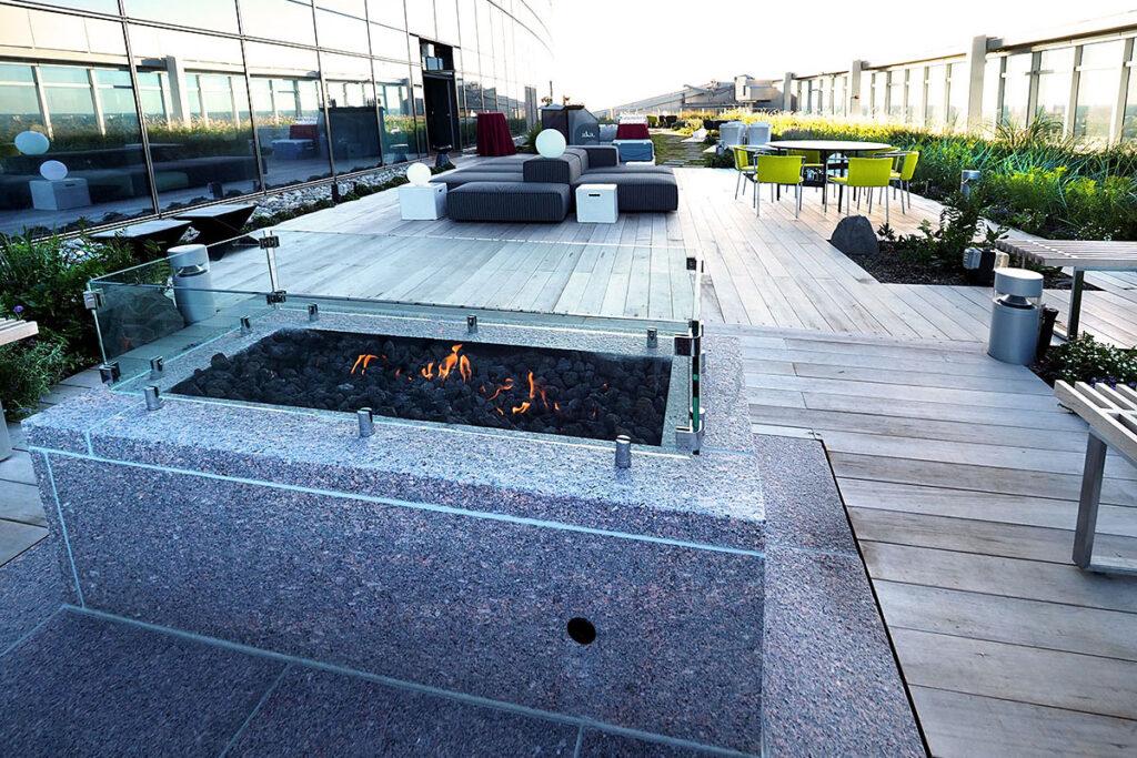 The 28th floor garden terrace of the FMC building in Philadelphia